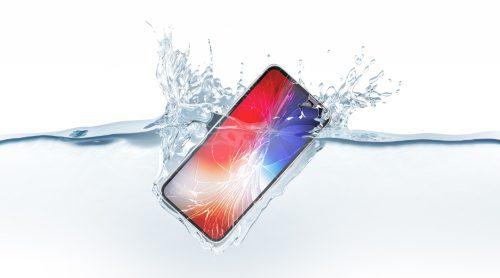 O que fazer se o seu celular cair na água